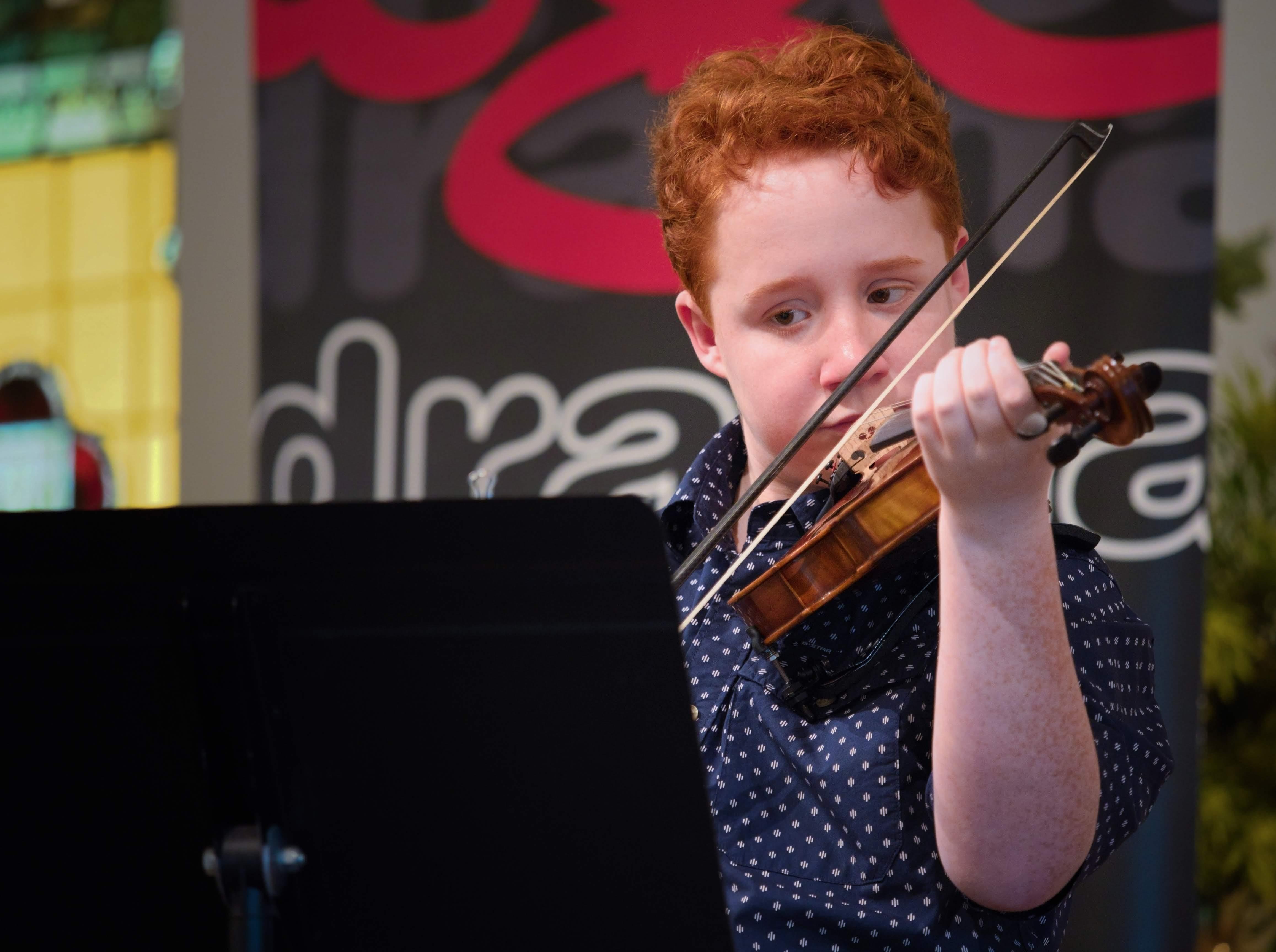 WGE Instrumental Aaron Hoogendoorn Displays His Skill on the Violin