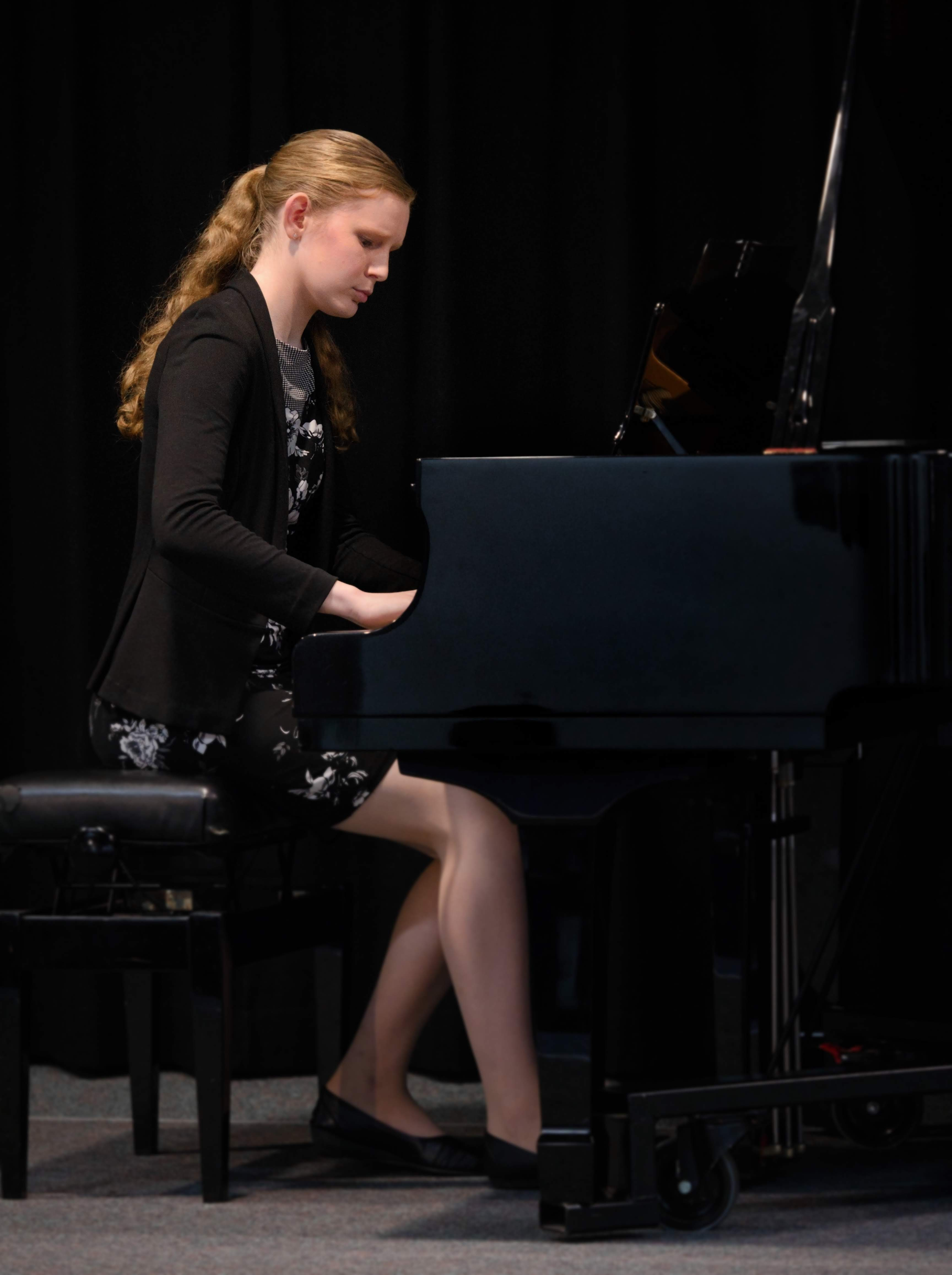 WGE Pianoforte Day 4 Claire Handasyde Displays Her Skills on the Piano
